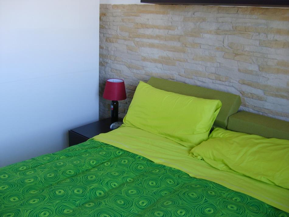 Pannelli in finta pietra cortina 002 - Parete in pietra camera da letto ...
