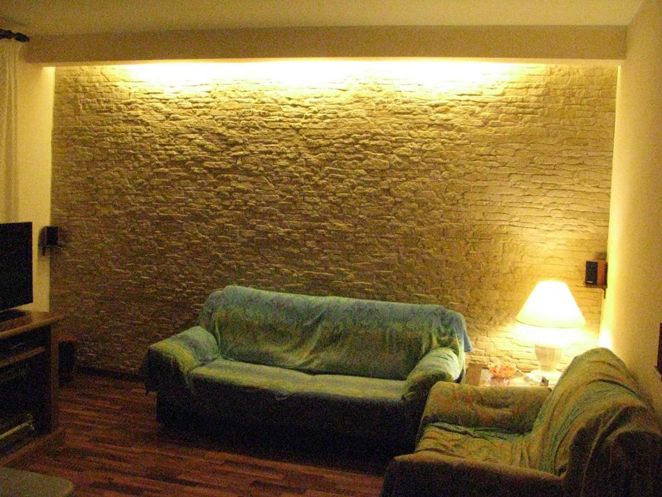 Illuminazione Parete Pietra : Rivestimento in finta pietra cortina con ...