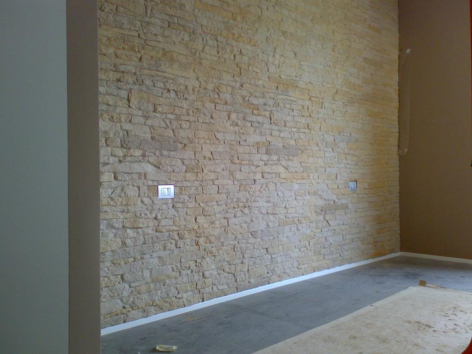 Finta pietra modello cortina 002 - Parete rivestita in pietra ...