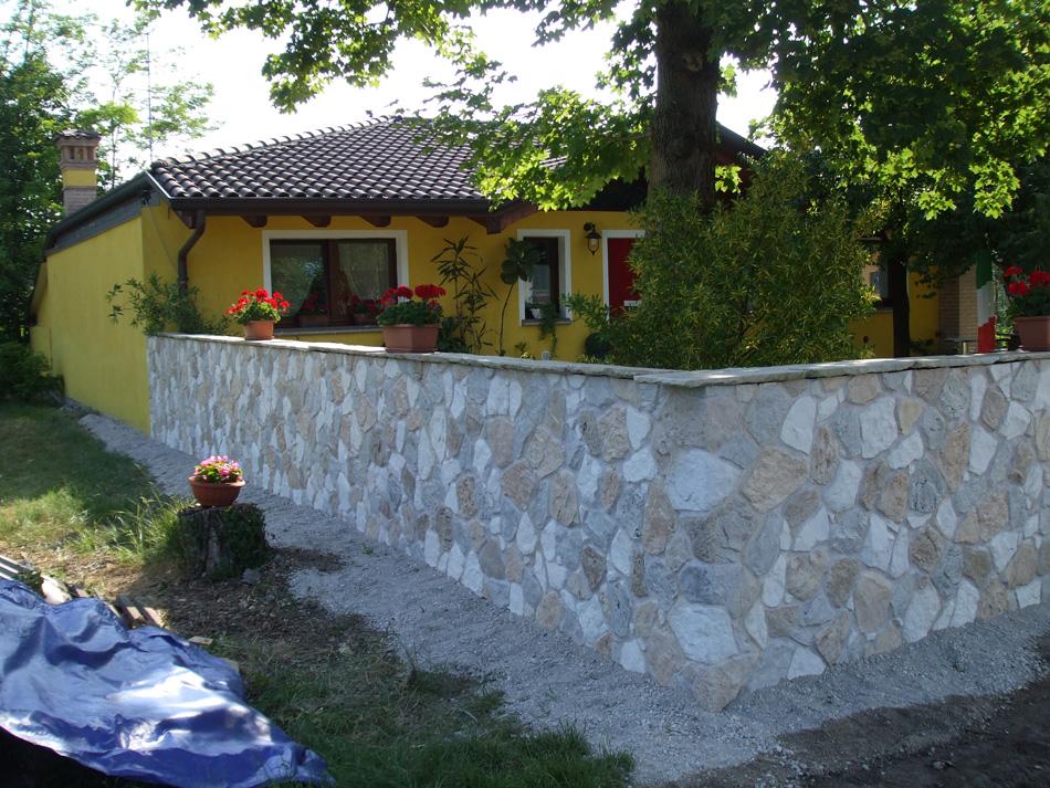 Rivestimento muro di cinta con pietra calizia 002 - Rivestimento muro esterno ...
