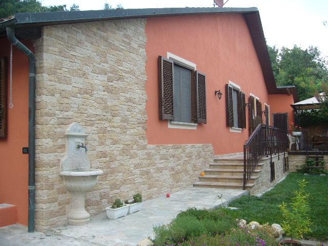 Finta pietra modello assisi 001 for Pietra da esterno casa