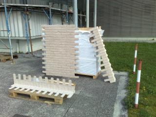 Esempio di installazione pannelli in finta pietra - Piastrelle finto mattone ...