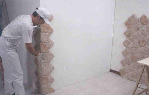 Piastrelle cucina moderne for Finta pietra in polistirolo